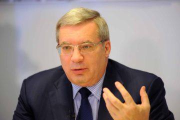 Виктор Толоконский сегодня впервые отчитался перед депутатами Заксобрания о работе регионального правительства