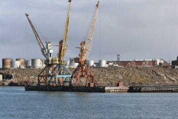 Две из семи тысяч тонн угля доставил на Диксон флот Енисейского речного пароходства