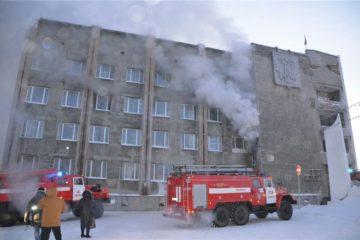 Виктор Толоконский поручил оказать помощь пострадавшим и семьям погибших при пожаре в Дудинке
