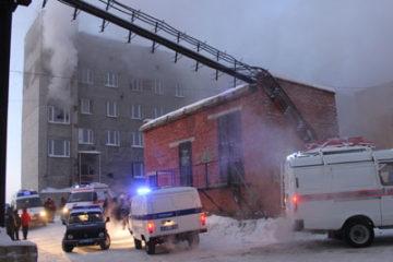 Уголовное дело возбуждено в отношении дудинского пенсионера, подозреваемого в поджоге здания администрации