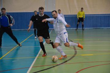 Заключительный тур игр на Кубок северных городов по мини-футболу среди ветеранов спорта пройдет в Кайеркане