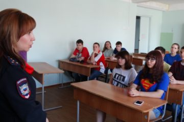 Инспекторы ПДН проводят профилактические лекции в трудовых отрядах школьников в Норильске