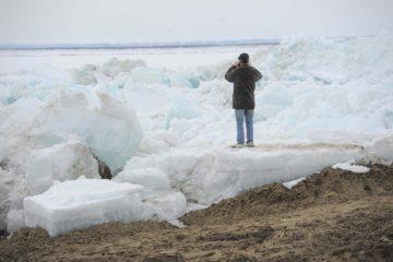 Подвижка льда зарегистрирована на реке Енисей в таймырском поселке Потапово