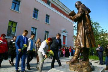 Памятник основателю города торжественно открыли в Норильске