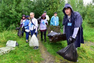 """Свыше 2 тонн мусора собрали в Мончегорске участники экоквеста, организованного """"Норникелем"""""""