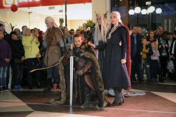 Сотни норильчан пришли на фотосессию с героями комиксов, культовых фильмов и телесериалов