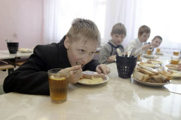 Организация питания отдельных категорий детей в крае станет дороже