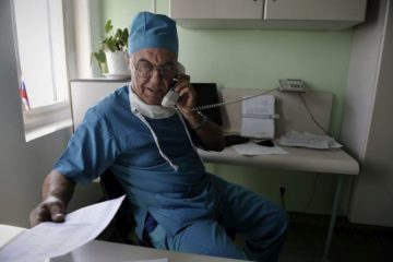 Зарплата врачей в Красноярье растет