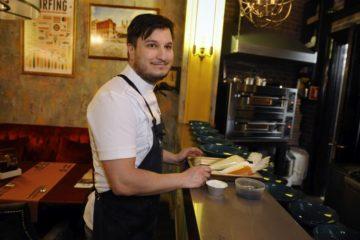 Московский шеф-повар Георгий Троян предложил норильчанам копченое мороженое