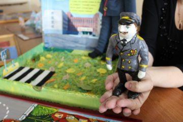 """Детям предлагают создать свой образ """"Полицейского дяди Степы"""""""