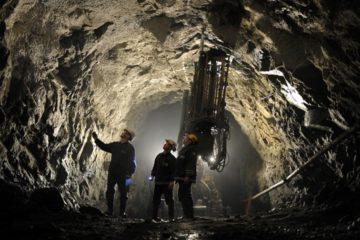 Сегодня жители Талнаха отмечают День шахтера