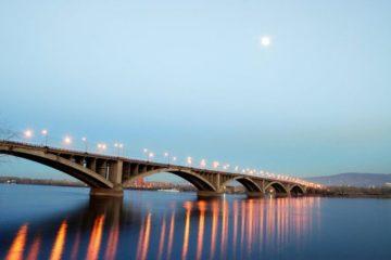 Сегодня состоится торжественный запуск иллюминации красноярского Коммунального моста