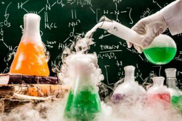 С 2020 года на итоговых экзаменах девятиклассники будут ставить опыты и работать с приборами