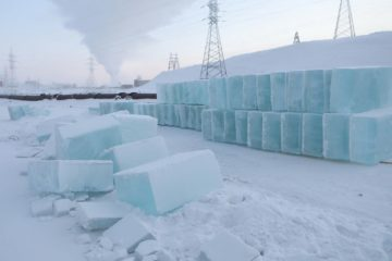 Подрядчики приступили к возведению снежных городков в Норильске