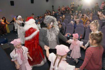 В Дудинке определили лучших Дедов Морозов и Снегурочек