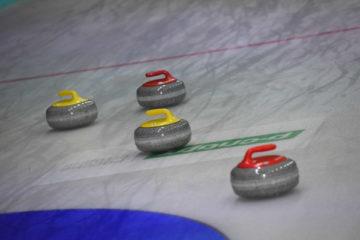 В Красноярске к зимней Универсиаде – 2019 готовят лед для проведения соревнований по керлингу