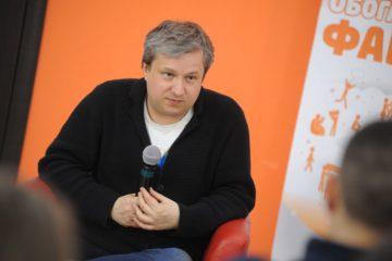 Антон Долин рассказал норильчанам о кино и о себе