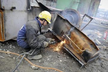 Бывший Никелевый завод разбирают, как гигантский конструктор