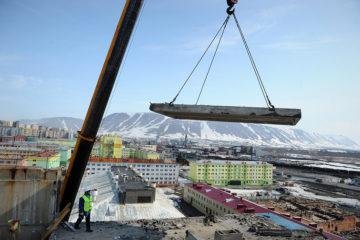 В Талнахе разбирают девятиэтажку, чтобы построить новое жилье