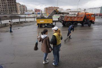 Около 176 тонн мусора убрали работники группы компаний «Норникель» во время общегородского субботника