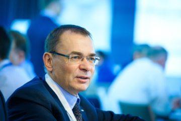 Старший вице-президент «Норникеля» Сергей Батехин избран председателем президиума Ночной хоккейной лиги.