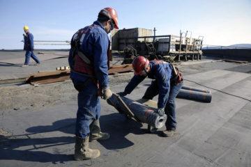 Студенты отремонтируют 8 тысяч квадратных метров кровли Надеждинского металлургического завода