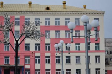 В Норильске ремонтируют девять муниципальных зданий