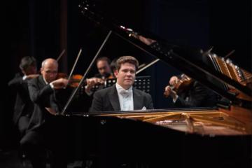 Пианист-виртуоз Денис Мацуев выступит перед норильчанами