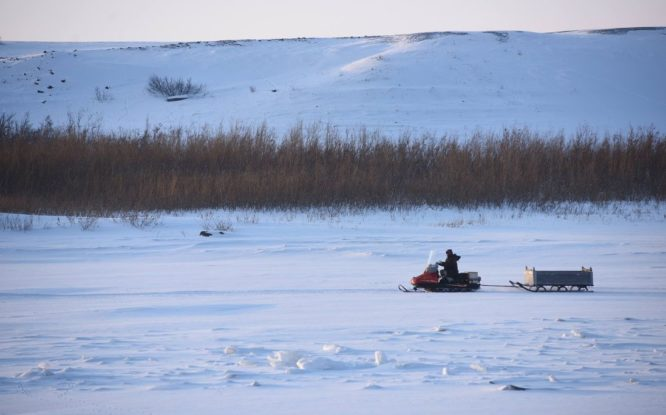 В столице Таймыра открыли ледовую переправу