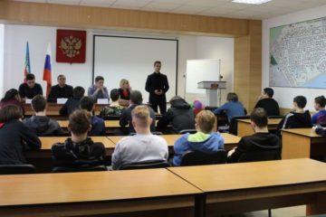 Подросткам, стоящим на учете в детской комнате полиции, рассказали, чем можно заняться в Норильске