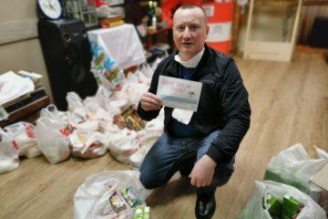 Две сотни продуктовых наборов раздали в Норильске участники акции #мывместе