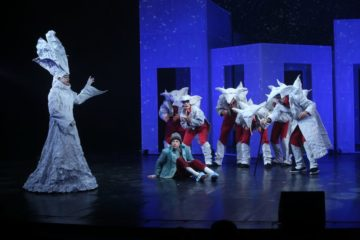 «Снежную королеву» Заполярного драмтеатра покажут в прямой трансляции