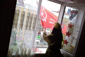 Норильчане всем двором спели «День Победы» и другие песни о войне