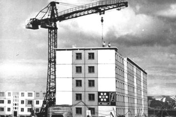 Первый панельный дом в Норильске построили из местных материалов