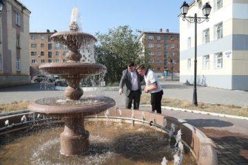 Норильчан просят не купаться в фонтане на бульваре Влюбленных