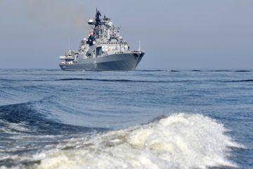 В Арктике отработали заправку кораблей на ходу