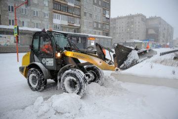 Снегоуборка норильских улиц еще не вышла на «зимние» объемы