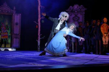 Каждый год в декабре Норильская драма выпускает спектакль-сказку