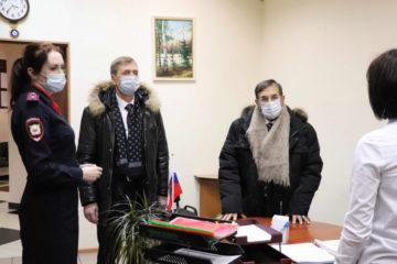 Председатель Общественного совета при краевом МВД посетил Норильский отдел по вопросам миграции
