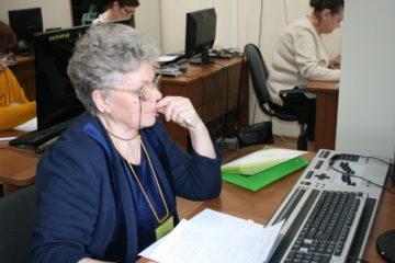 Среди пенсионеров возросла популярность курсов компьютерной грамотности