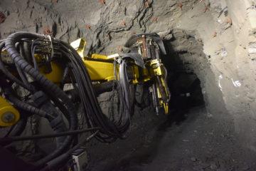 На руднике «Маяк» работает новая буровая установка