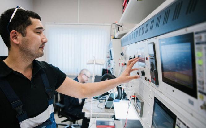 На Быстринском ГОКе запчасти печатают на современном 3D-принтере