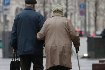 Для работающих пенсионеров изменят режим удаленки