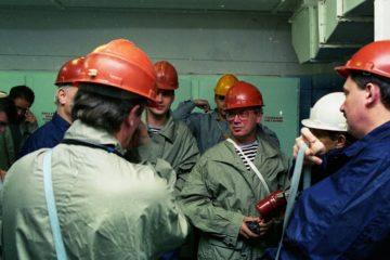 Осенью 1998 года в Норильске побывал сэр Эндрю Вуд