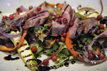 Салат-гриль с олениной – удачное сочетание вкуса и пользы