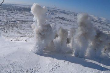 В Норильске ведут работы по принудительному спуску снежной лавины