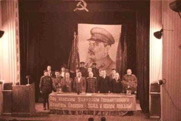 После Победы Красные знамена ГКО остались в Норильске навечно