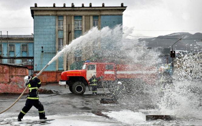 В Норильске прошел конкурс «Лучший по профессии – старший пожарный»