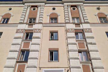 В 1940-х здания Норильска начали украшать лепниной и барельефами