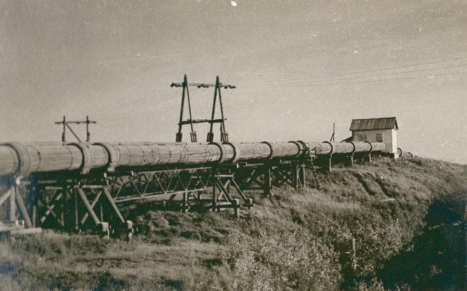 Первый водопровод от реки Норильской до города был деревянным